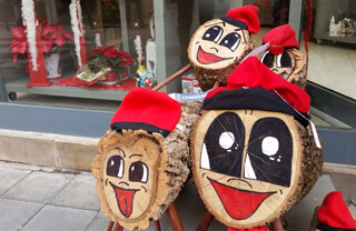 Spain Christmas traditions for kids: Tió