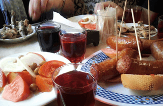 Spanish eating habits: tapas any time!