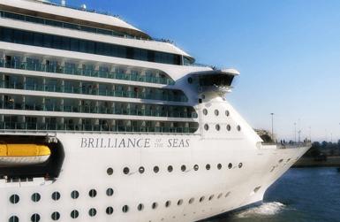 Enjoy a Barcelona cruise!