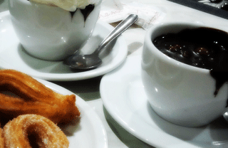 Family activities in Barcelona: Hot chocolate and churros