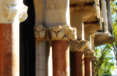 Hotel Casa Fuster: marble columns