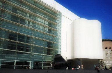 Barcelona contemporary architecture: MACBA by Richard Meier